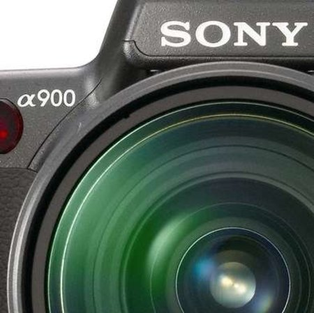 Sony 24.6-megapixel full frame A900 DSLR launches