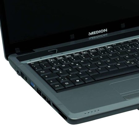 Medion Akoya P6612 notebook launches