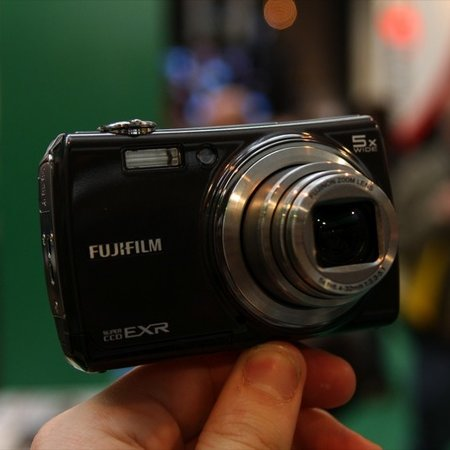 Fujifilm FinePix F200EXR digital camera