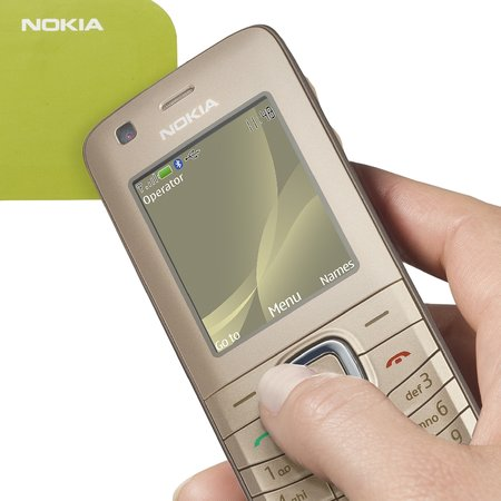 Nokia launches NFC-enabled 6216 classic