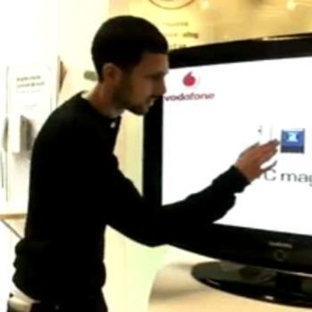 VIDEO: Dynamo does HTC Magic tricks