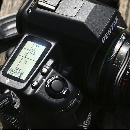 Pentax K-7 DSLR camera - photo 1