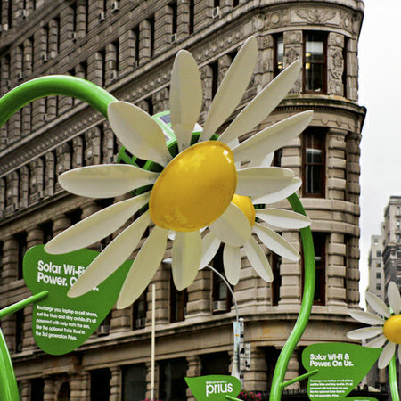 Solar powered flowers offer workers Wi-Fi and power