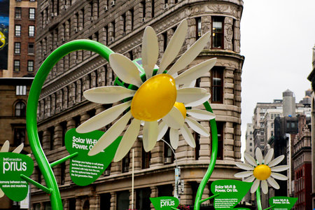 Solar powered flowers offer workers Wi-Fi and power - photo 6