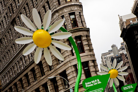 Solar powered flowers offer workers Wi-Fi and power - photo 7
