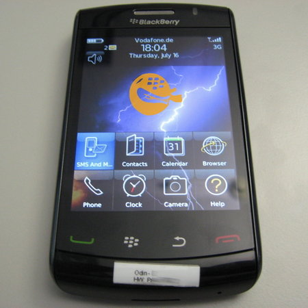 BlackBerry Storm 2 shows up on Vodafone network