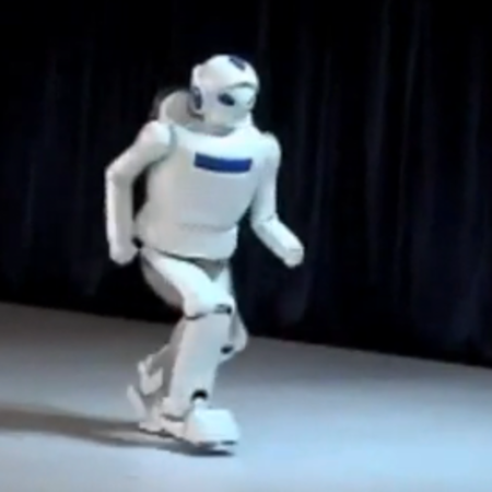 VIDEO: This robot will run you down