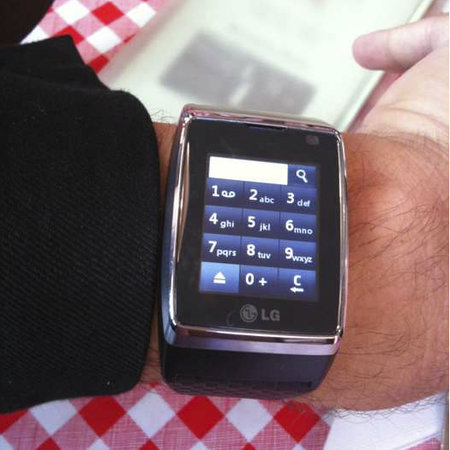 LG Watchphone gets snapped, on Stephen Fry's wrist