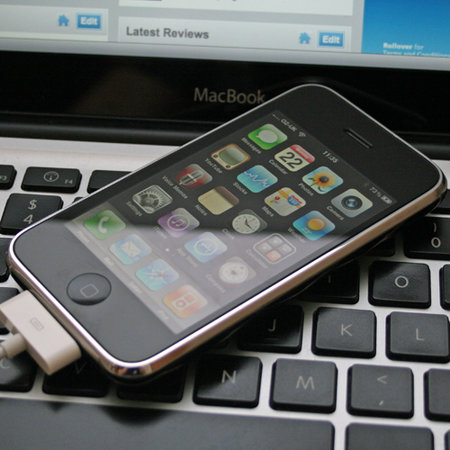 Apple sued over iPhone's missing MMS