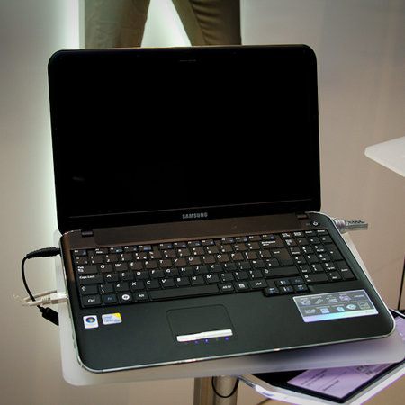 Samsung's slim X520 laptop