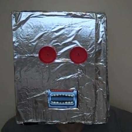 VIDEO: How to make a robot iPhone fancy dress mask