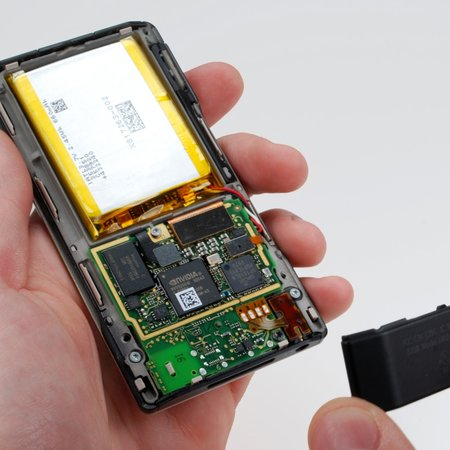 iFixit's Zune HD tear-down is complete
