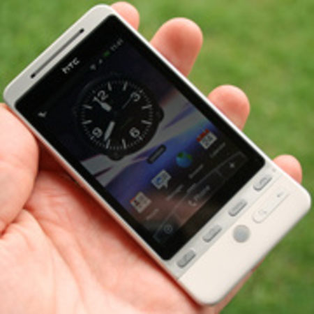 Orange and T-Mobile holding back HTC Hero update
