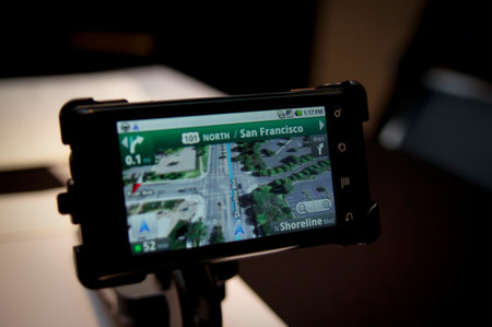 "Google Maps Navigation ""could"" run on iPhone 3GS"