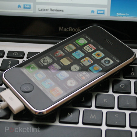 Apple iPhone 3GS  - photo 1