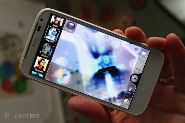http://cdn.pocket-lint.com/images/4x2P/htc-sensation-xl-first-review-12.jpg?20111006-181241