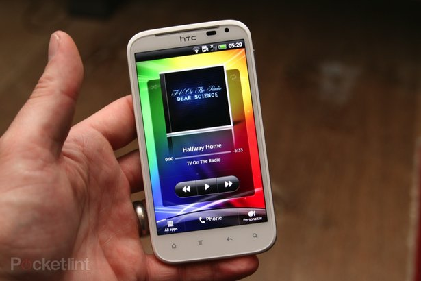 http://cdn.pocket-lint.com/images/4x2P/htc-sensation-xl-first-review-32.jpg?20111006-134045