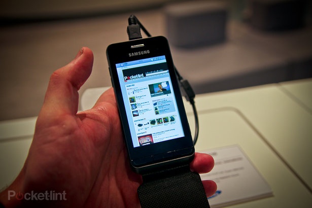 PHOTOS: Samsung Wave 723 hands-on