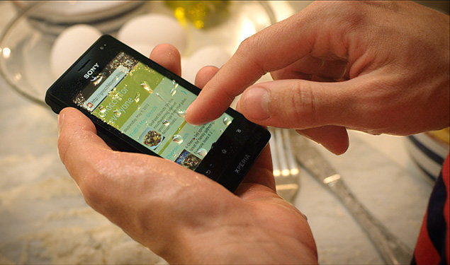 http://cdn.pocket-lint.com/images/Gfz0/sony-xperia-go-water-scratch-resistant-0.jpg?20120530-184029