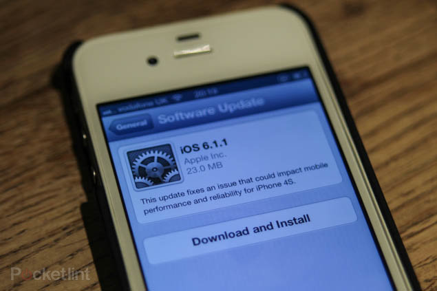 Apple fixes 6.1 bugs regarding iPhone 4S, releases 6.1.1