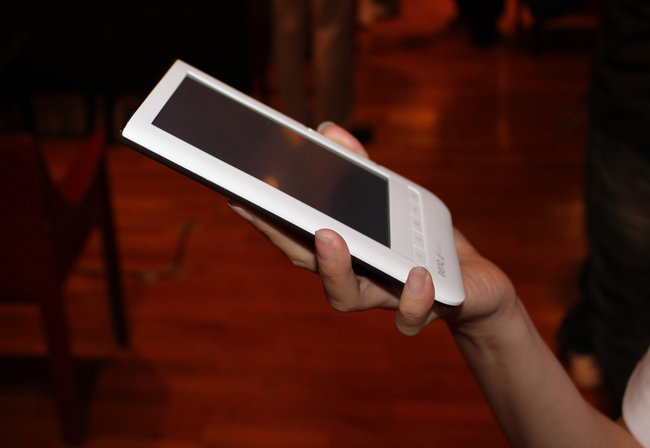 BenQ unveils K60 nReader  - photo 3