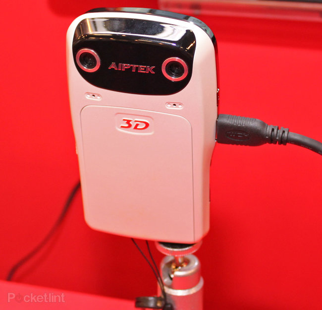 Aiptek demos 3D camcorder at Computex - photo 2