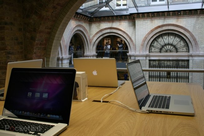 "Inside Apple's ""best ever"" store at Covent Garden - photo 15"