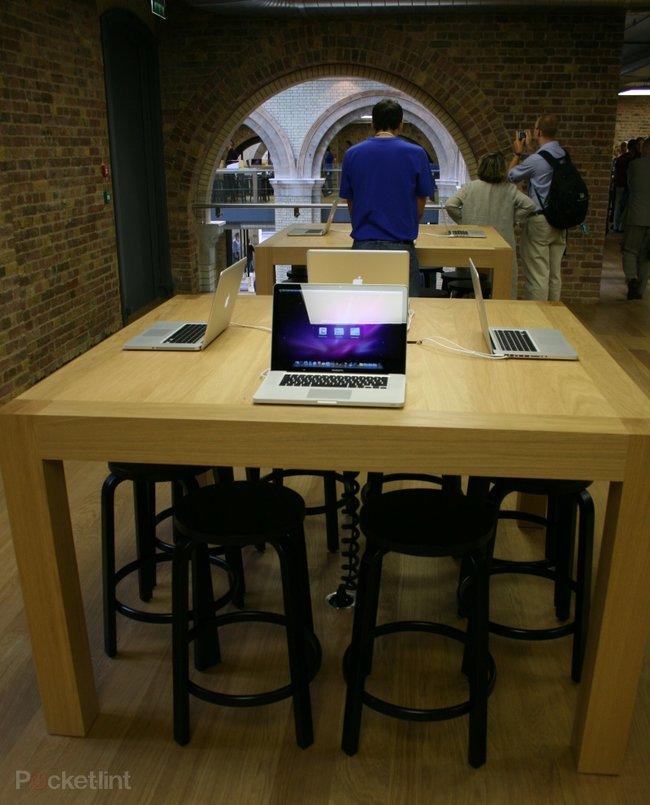 "Inside Apple's ""best ever"" store at Covent Garden - photo 8"