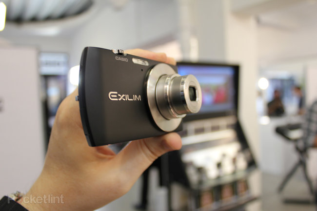 Casio EXILIM EX-S200 hands-on - photo 4