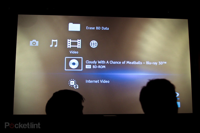 Sony VPL-VW90ES 3D home projector eyes-on - photo 1