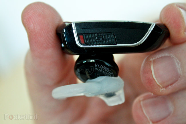 Bose Bluetooth Headset hands-on - photo 5