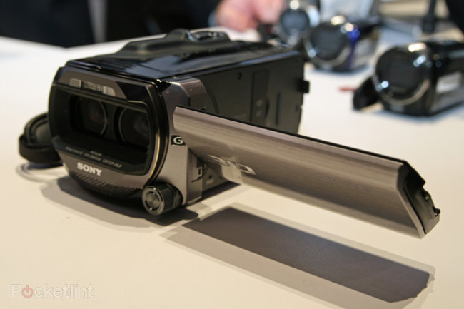Sony unleashes Full HD 3D camcorder - photo 2