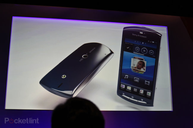 Sony Ericsson Xperia Neo finally confirmed, we go hands-on - photo 3