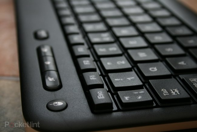 Logitech Wireless Touch Keyboard K400 pictures and hands-on - photo 5