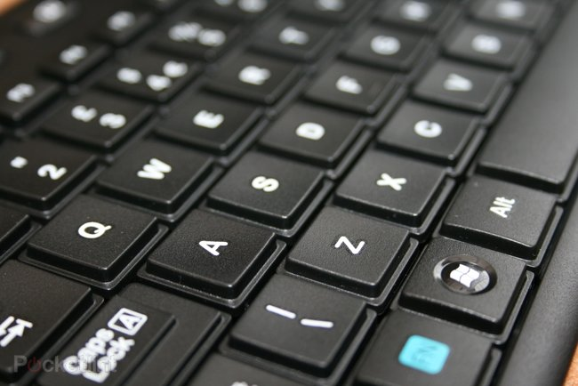 Logitech Wireless Touch Keyboard K400 pictures and hands-on - photo 6
