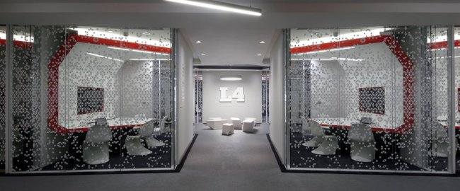 Inside Google London: A park, a coffee lab and nightclub-style meeting rooms - photo 18