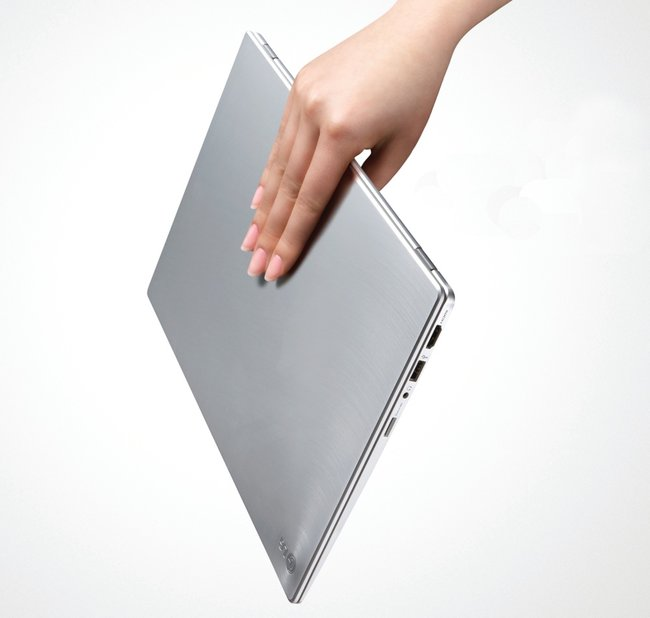 LG Z330 and Z430 Ultrabook duo kick off the CES frenzy - photo 3