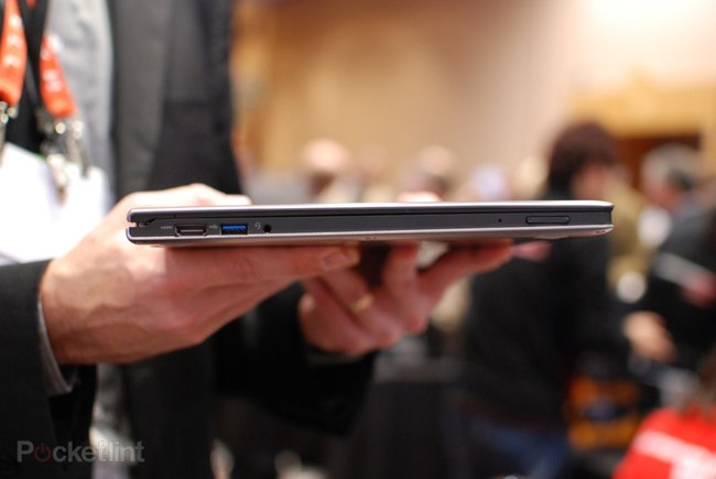 Lenovo IdeaPad Yoga Ultrabook pictures and hands-on - photo 4