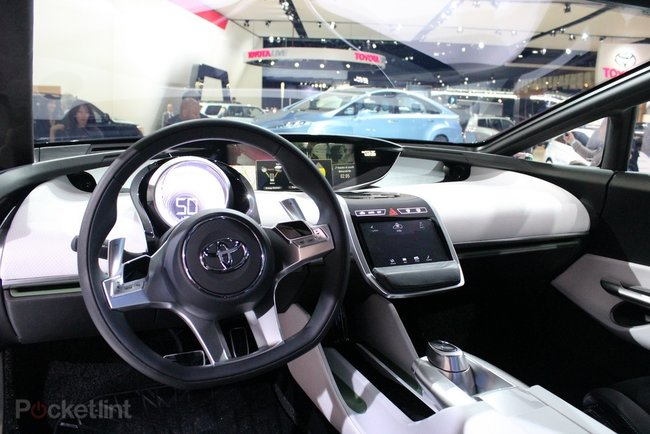 Toyota NS4 pictures and hands-on - photo 13
