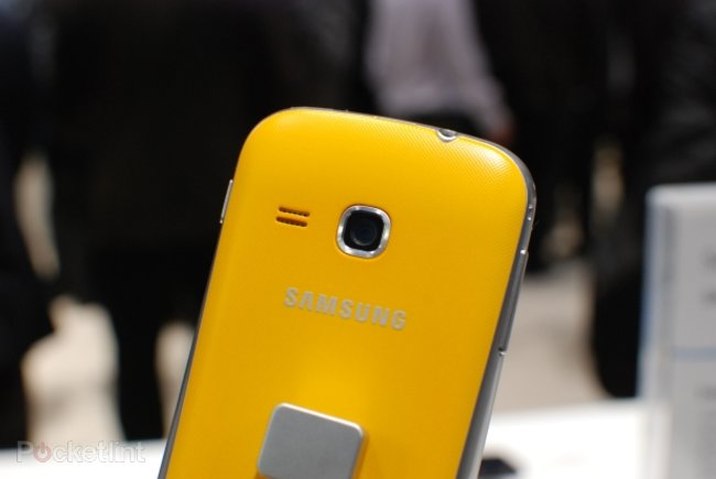 Samsung Galaxy Mini 2 pictures and hands-on - photo 1