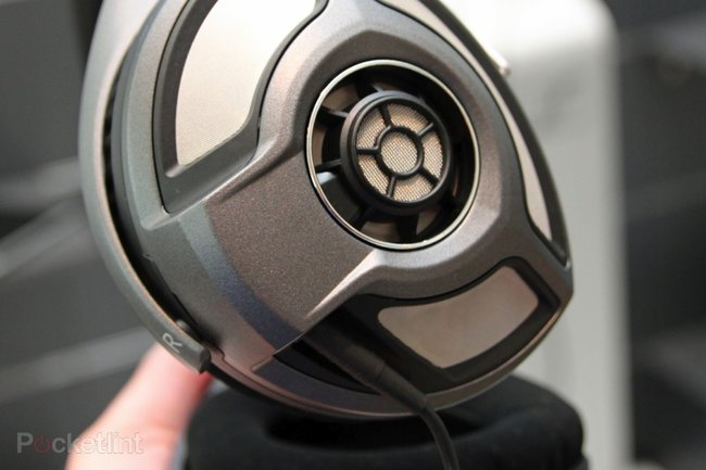 Sennheiser HD 700 pictures and ears-on - photo 3