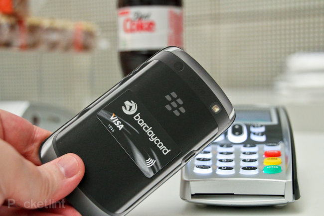 Barclaycard PayTag adds contactless payment to any phone: pictures and hands-on - photo 3
