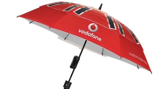 Vodafone Booster Brolly charges your phone, improves signal and keeps you dry - photo 2