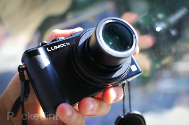 Panasonic Lumix LX7 announced, other compacts recoil in horror - photo 1