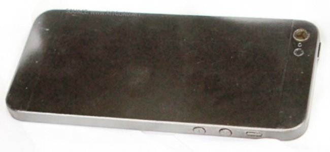 New iPhone 5 pictures leaked, full phone this time - confirm longer screen - photo 4
