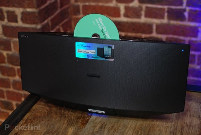 Sony CMT-V75 dock, radio and CD player pictures and hands-on - photo 4