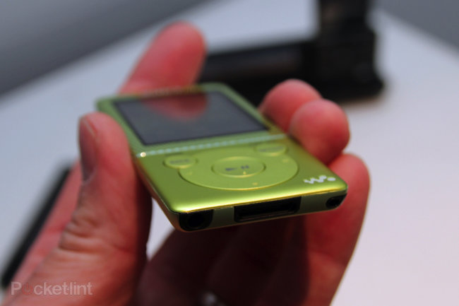 Sony Walkman E470 brings a touch of colour to your audio experience - photo 4