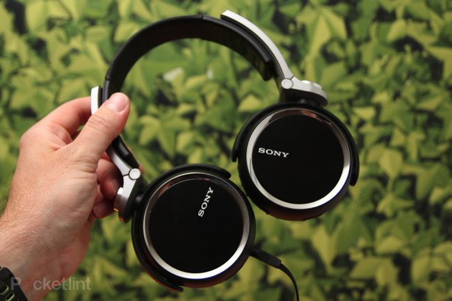 Sony Extra Bass charge lead by MDR-XB800, fat beats abound - photo 1