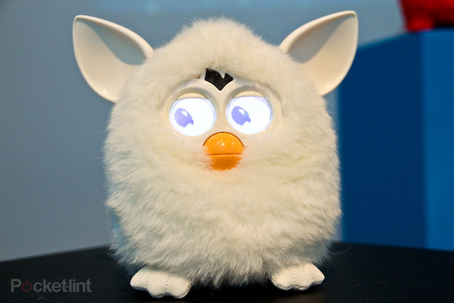 Furby (2012) pictures and hands-on - photo 3