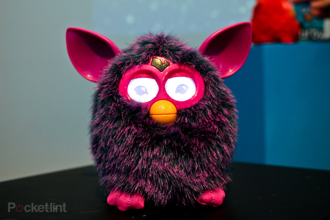 Furby (2012) pictures and hands-on - photo 6